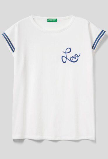 T-Shirt mit Stickerei Love